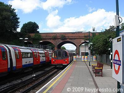 Finchley Central Station
