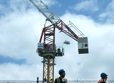 Mansell Crane and Workers