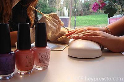 Nail Desk 2