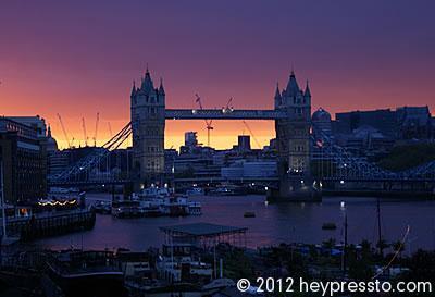 Tower Bridge Sunset Yellow Strip